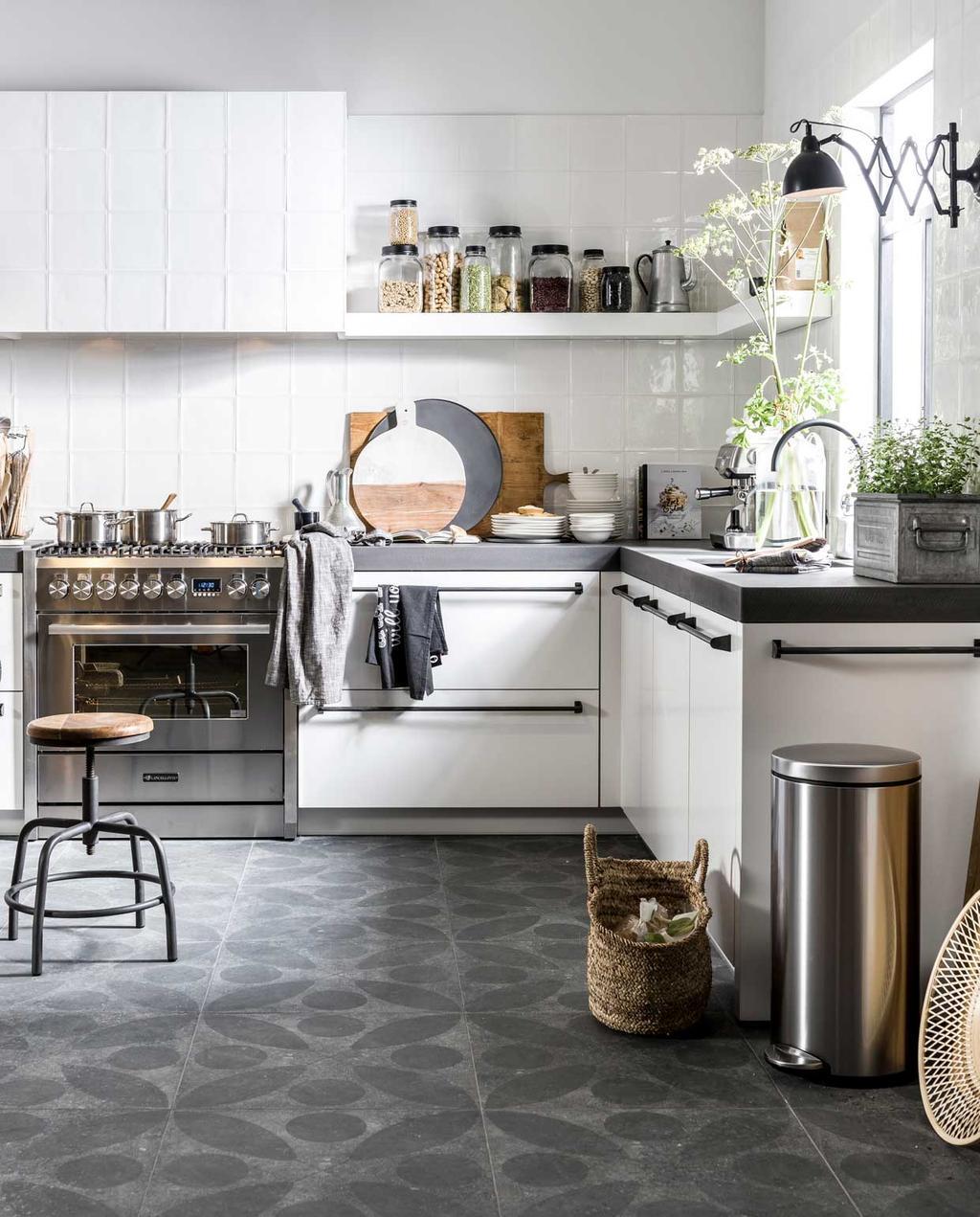 keuken | woonkeuken | schoonmaken | afval scheiden | witten hoekkeuken