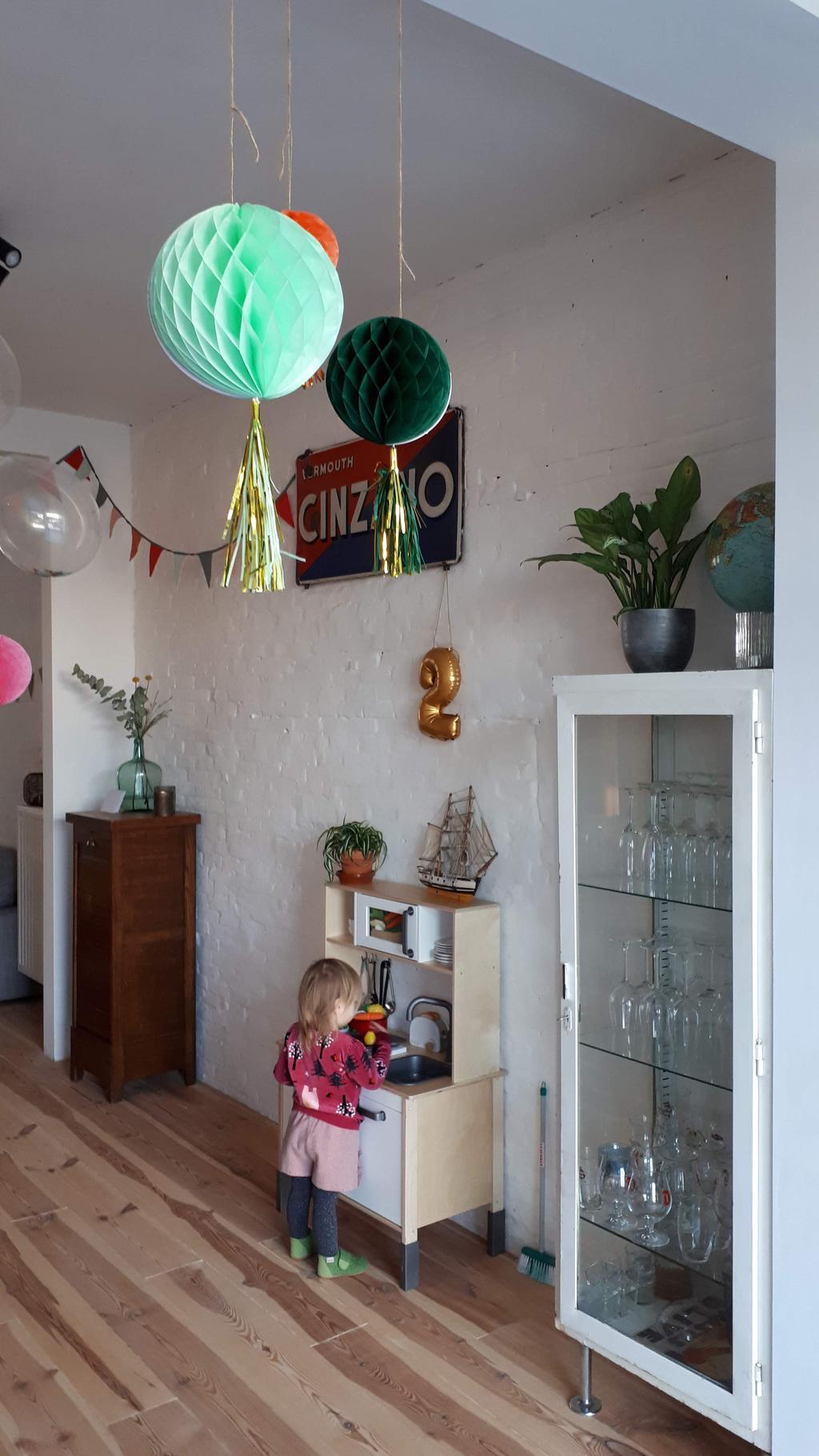 de-andere-kant-van-de-keuken-waar-mijn-dochter-haar-mini-keukentje-staat