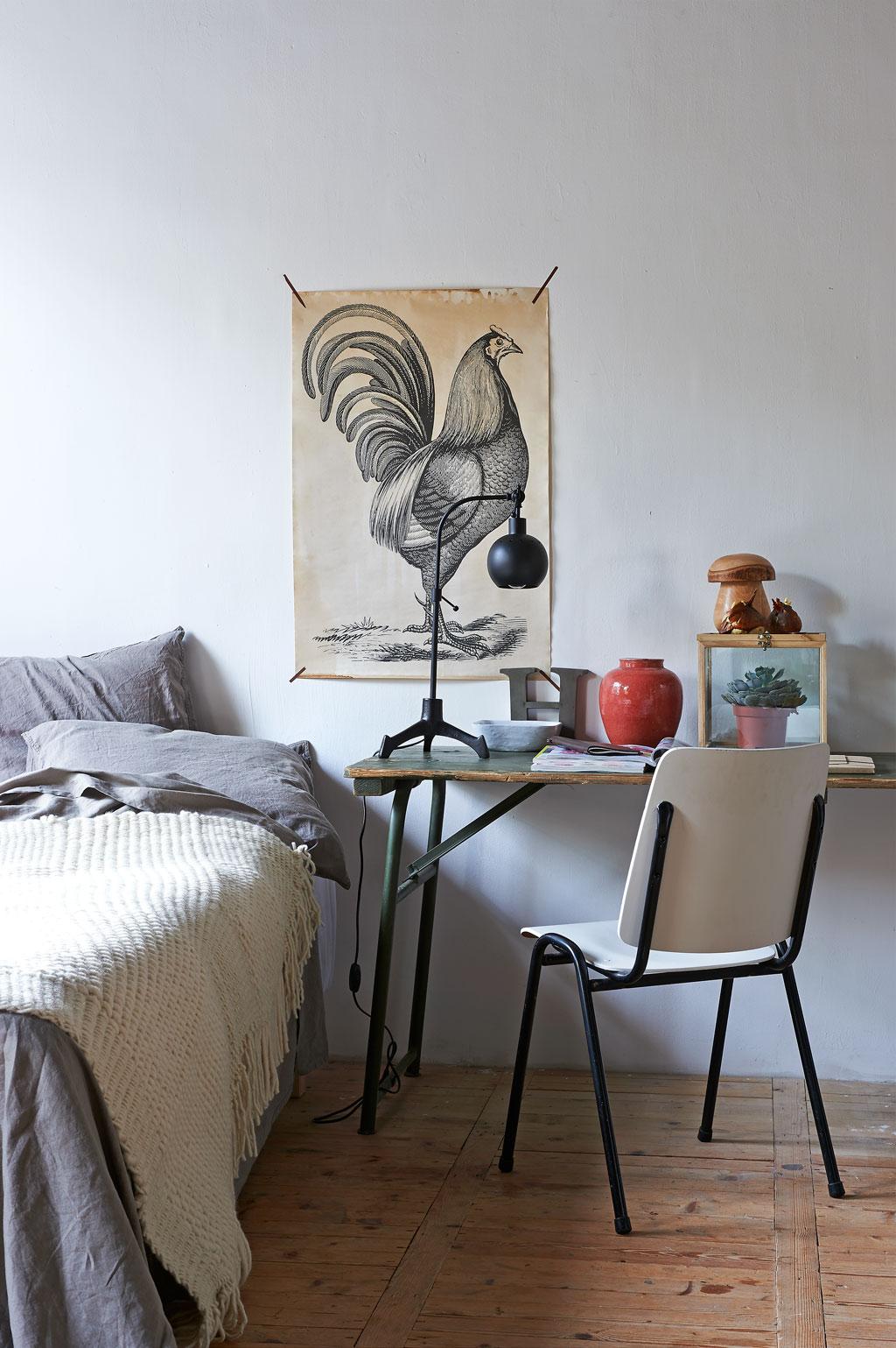 nachtkastje werkplek slaapkamer bed