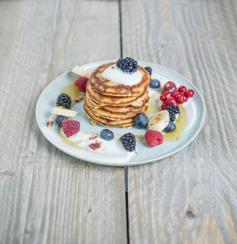 Pannenkoeken met blauwe bessen en siroop - Madam Jeanne