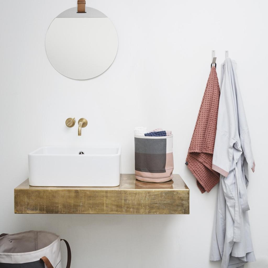 Zo oogt jouw kleine badkamer eens zo groot - Ferm Living - vtwonen