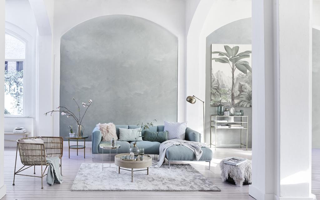 Het vtwonen voorjaarshuis 2019 - blauwe bank - nieuwe lente, nieuwe look