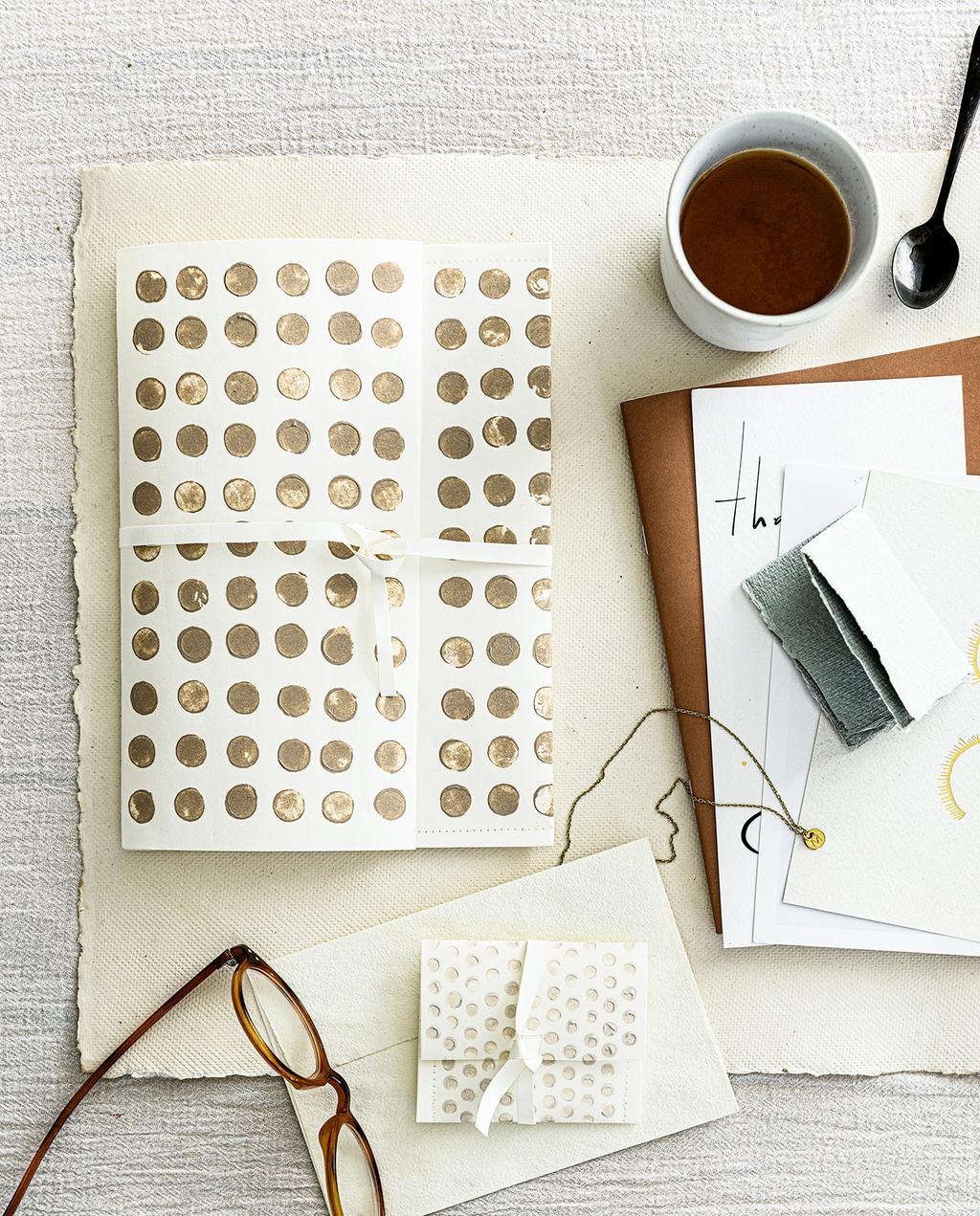 vtwonen 2020 DIY special 02 | papier stempel koffie moment