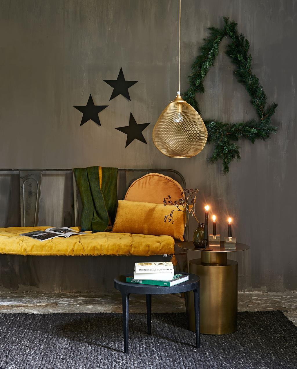 vtwonen 12-2019 | styling kerst woonkamer muurboom