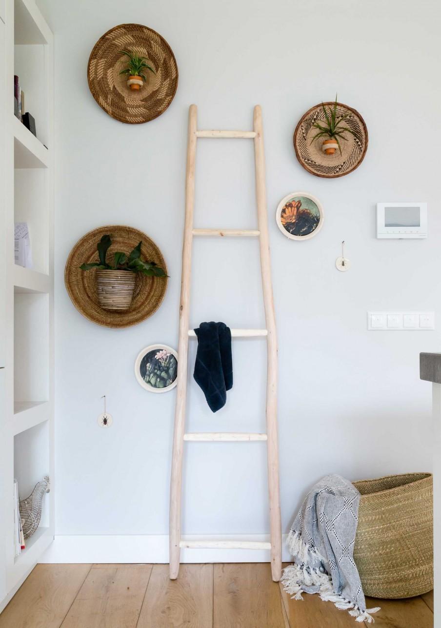 wanddecoratie manden ladder
