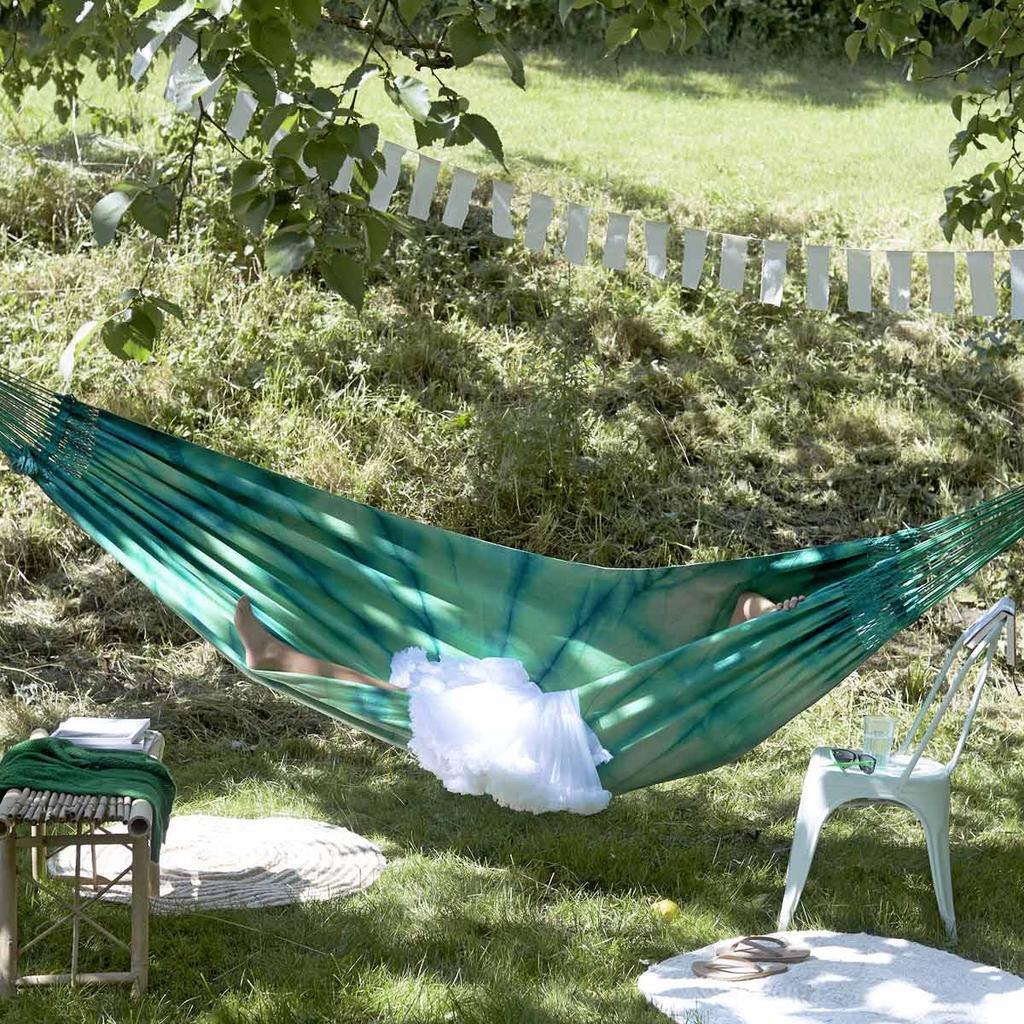 tuin hangmat vlaggen zomer chillen loungen buiten