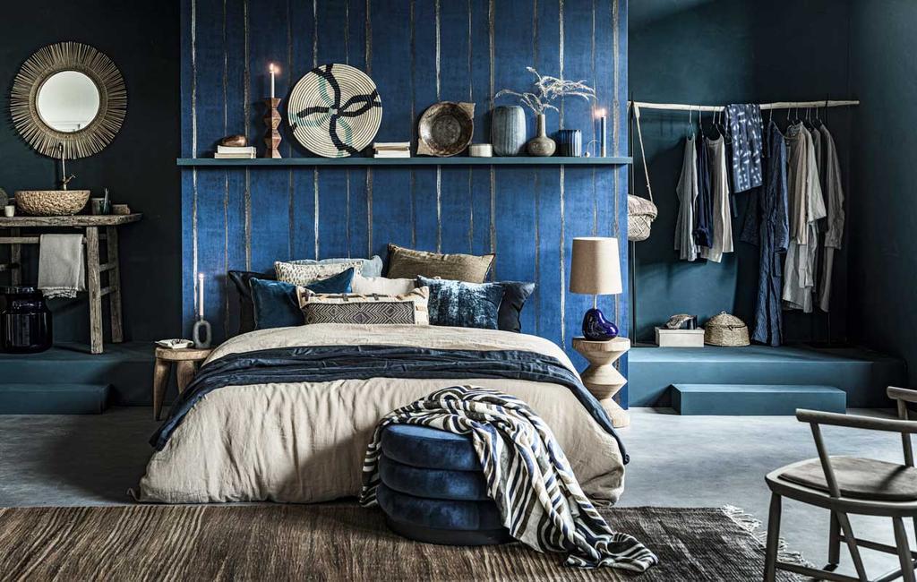 vtwonen 11-2020 | styling blauw slaapkamer