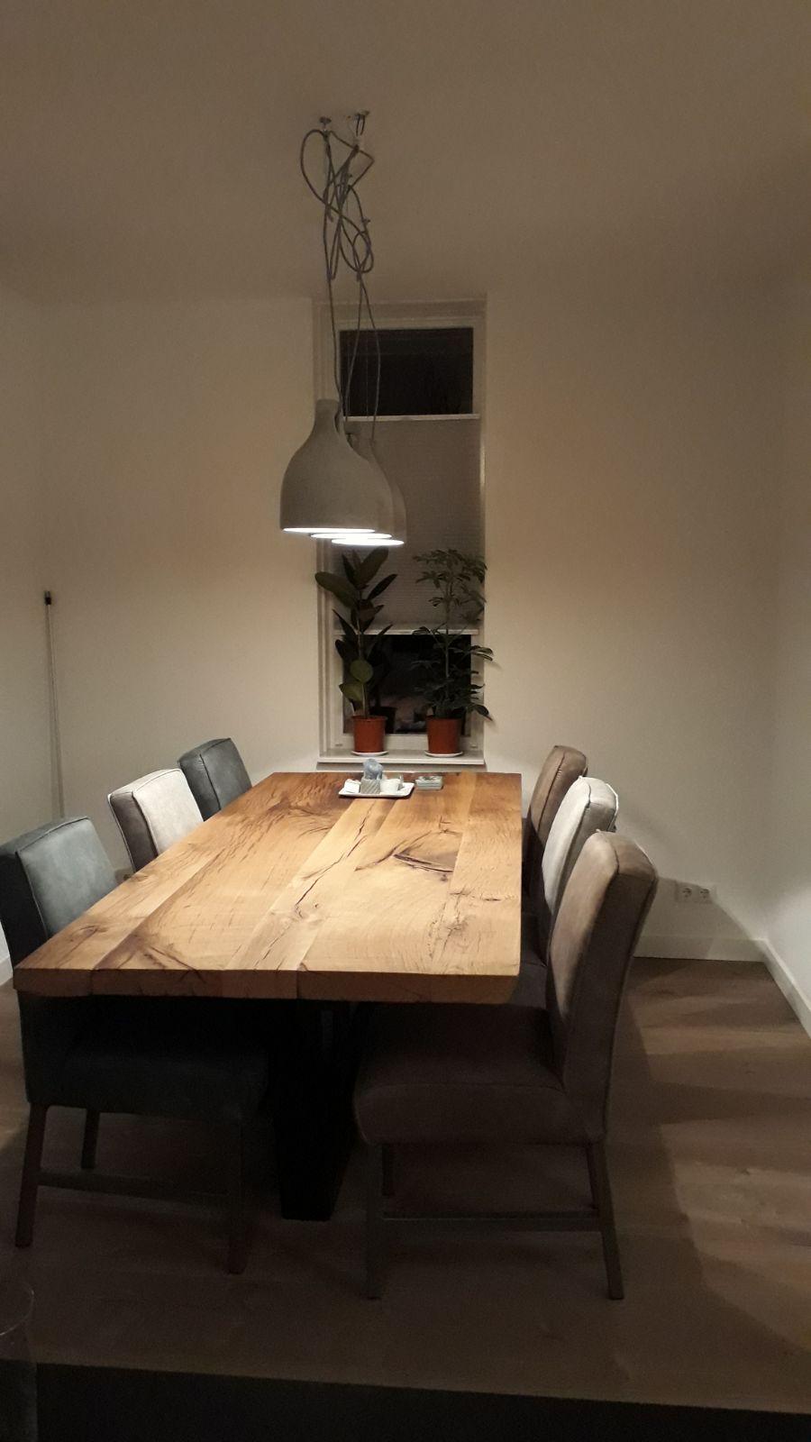 onze-eettafel-die-heerlijk-in-de-keuken-staat-samen-een-superstoere-combinatie