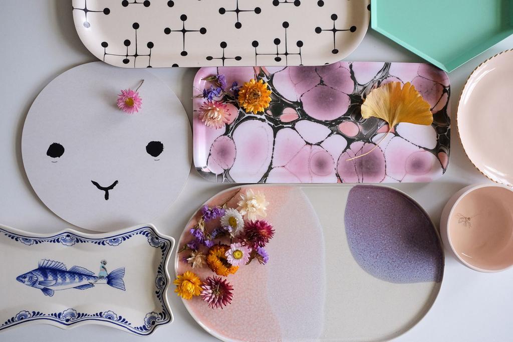 Een verzameling aan kleurrijke designdienbalden van bloggers PRCHTG.