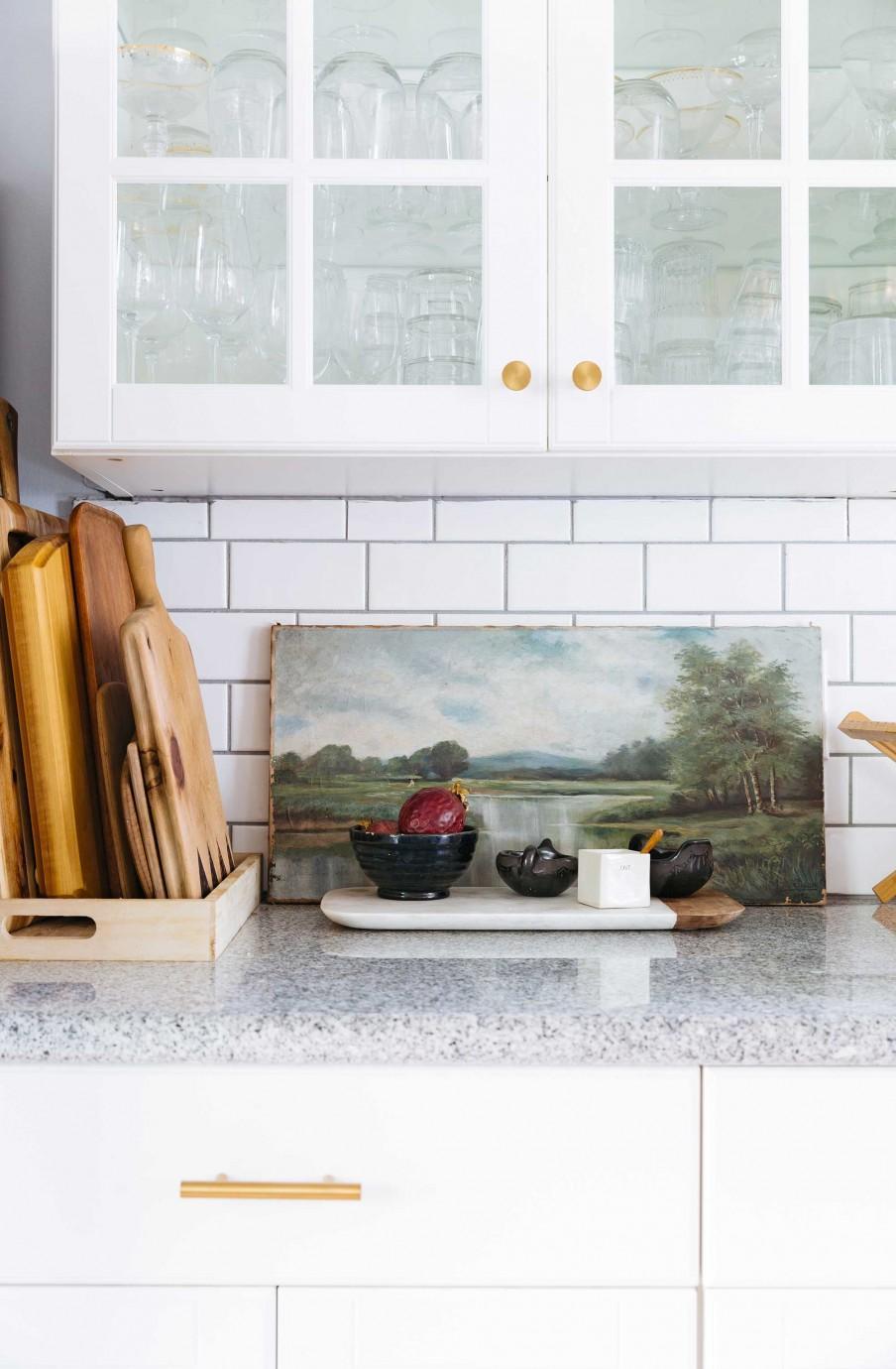 meubles cuisine blancs tableau vintage