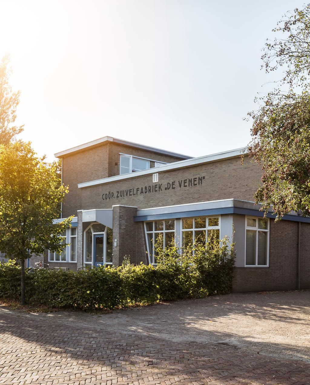 vtwonen 09-2019 | Zuivelfabriek in Nijeveen op een zonnige dagzuivelfabriek