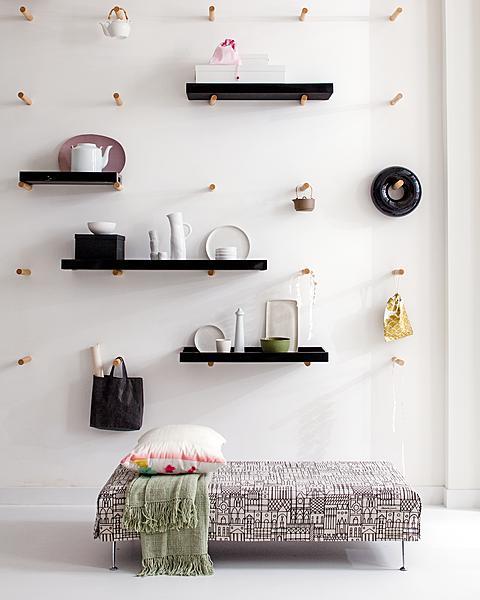 Japanse dienbladen aan de muur