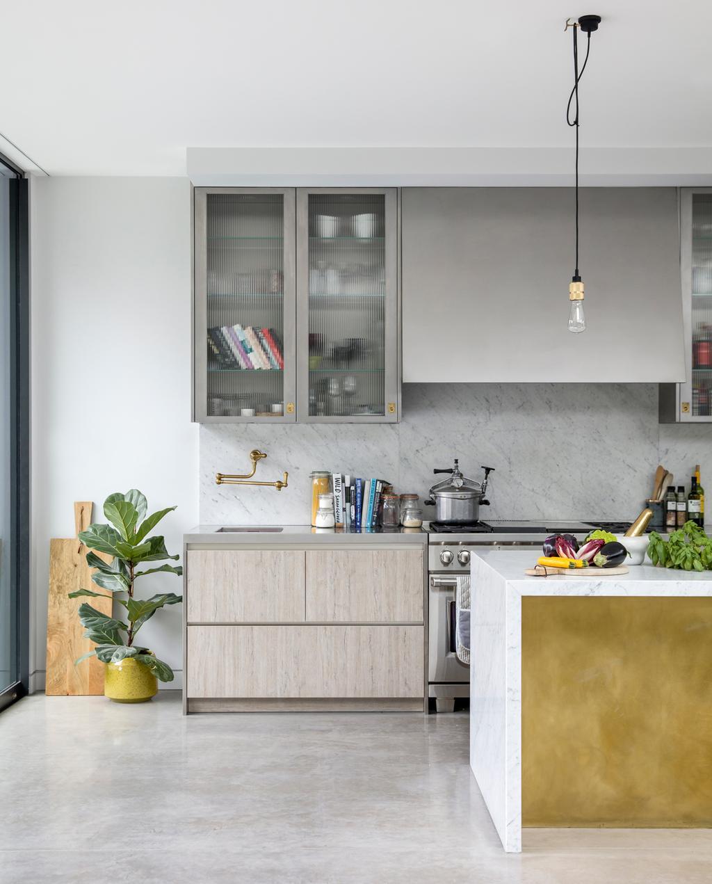 vtwonen 1-2020 | keuken goud keukenblok
