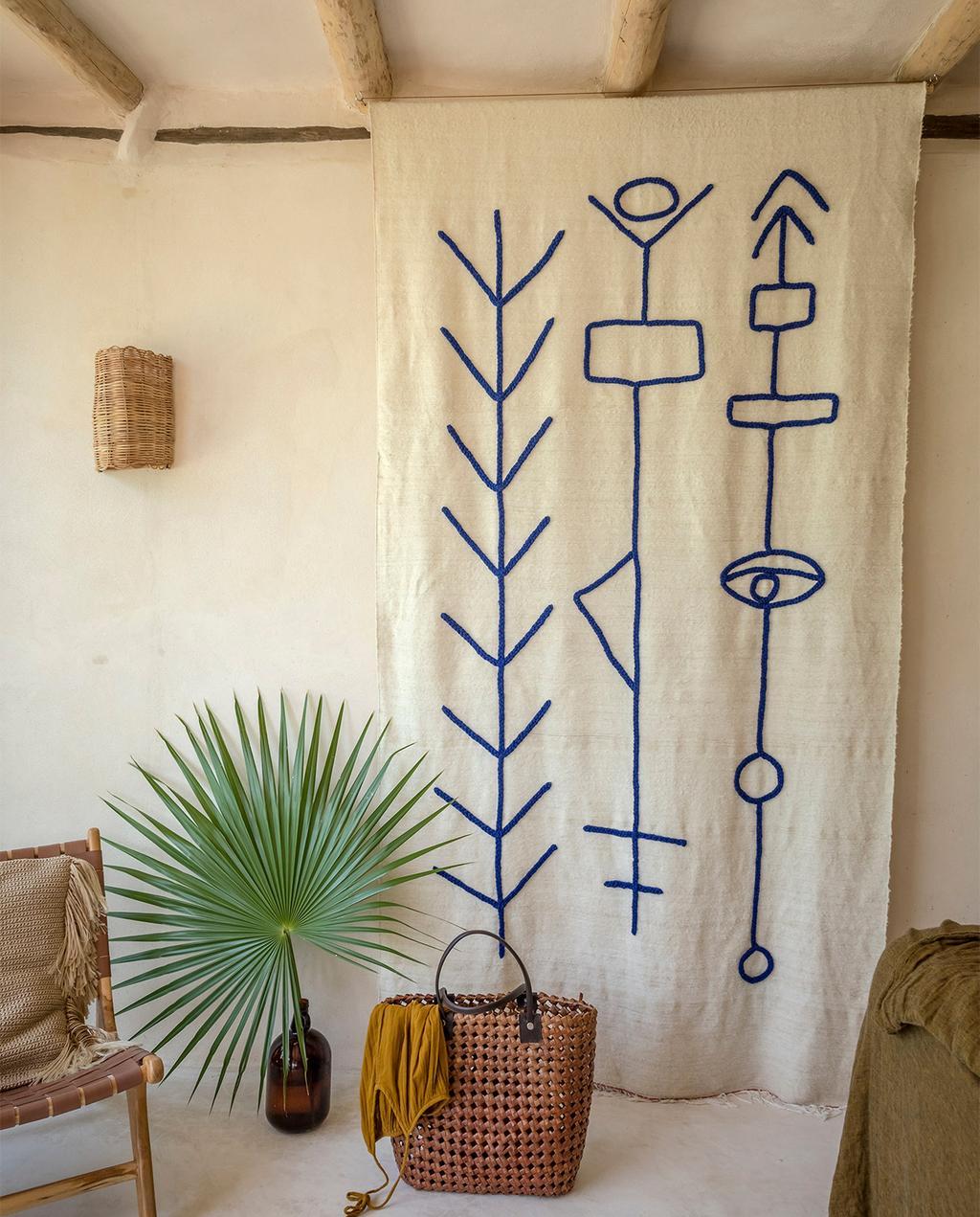 vtwonen casas especiais de verão 07-2021 |  tapeçaria com linhas azuis