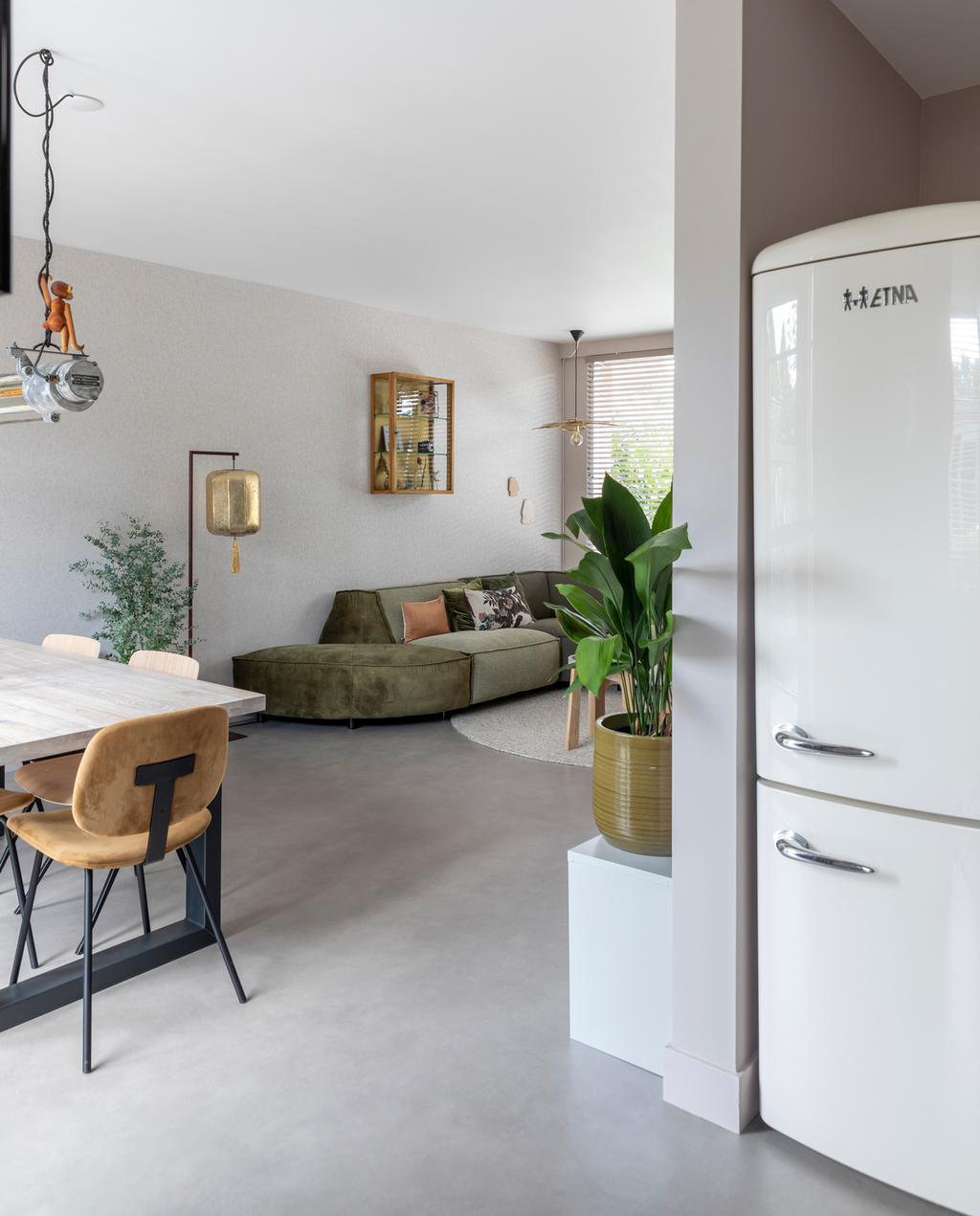 vtwonen weer verliefd op je huis aflevering 5 seizoen 12 | stylist Eva in Heemstede | woonkamer en keuken in een ruimte