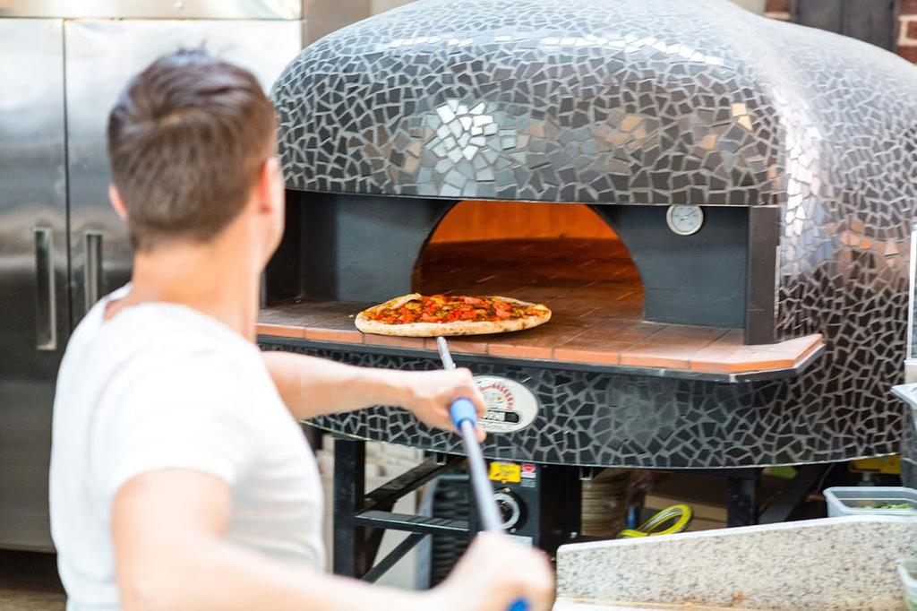 Pizza oven in Hal 16 in Gent