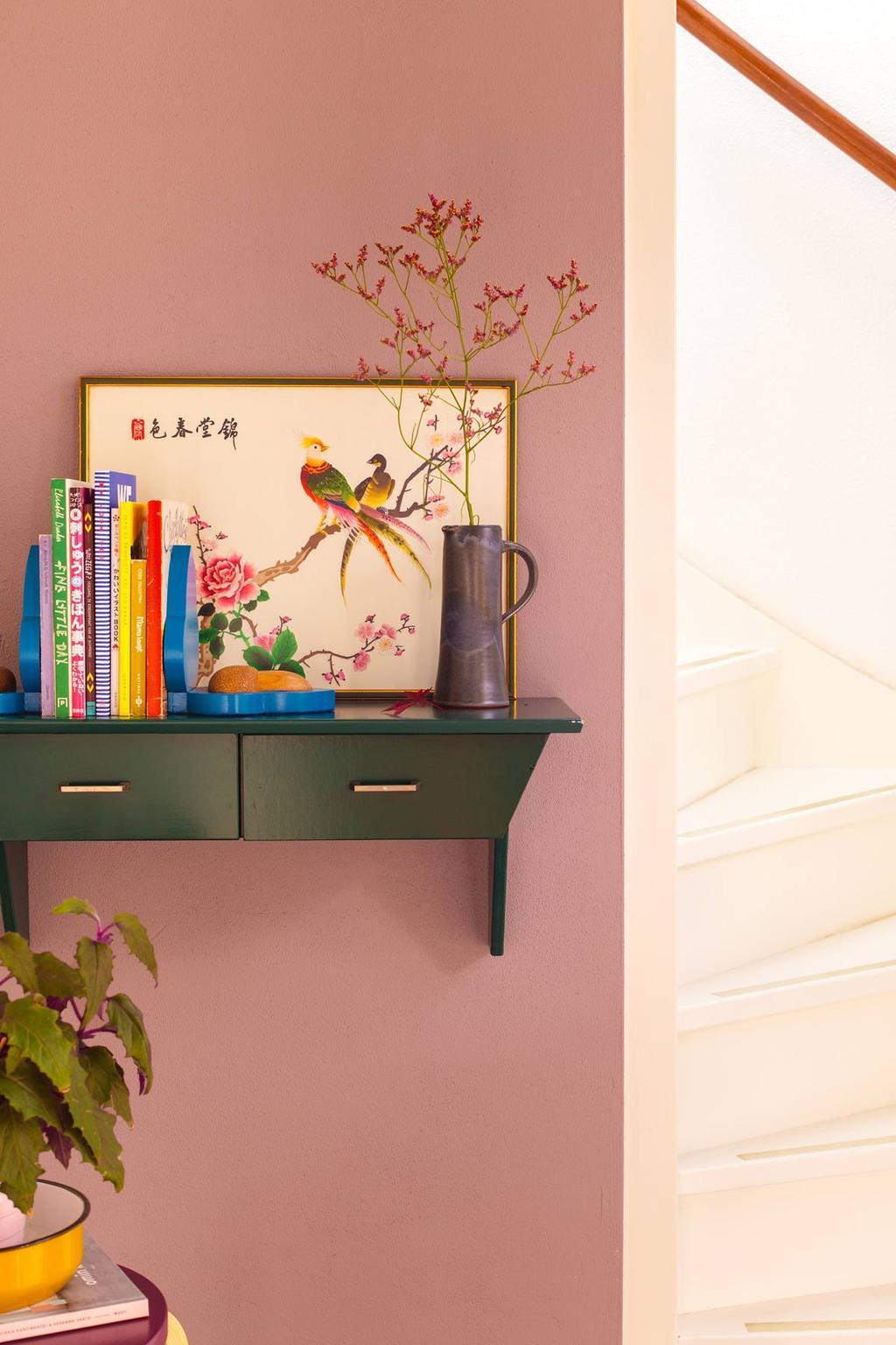 Boekensteunen op groene kast gestyled door blogger Oh Marie!