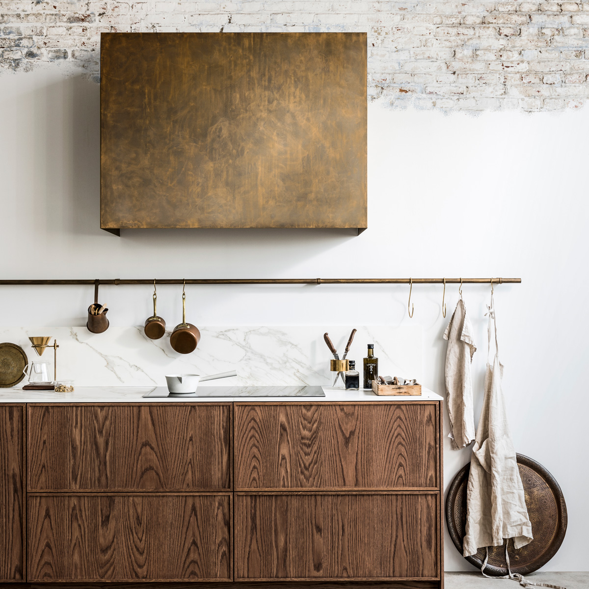 bruine keuken gouden kastje