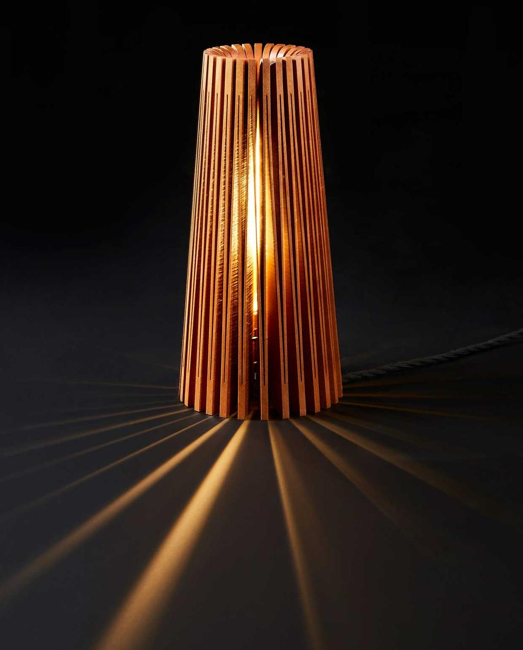 vtwonen | studentdesign | concertina-collectie | Huw Evans | schemerlamp van hout