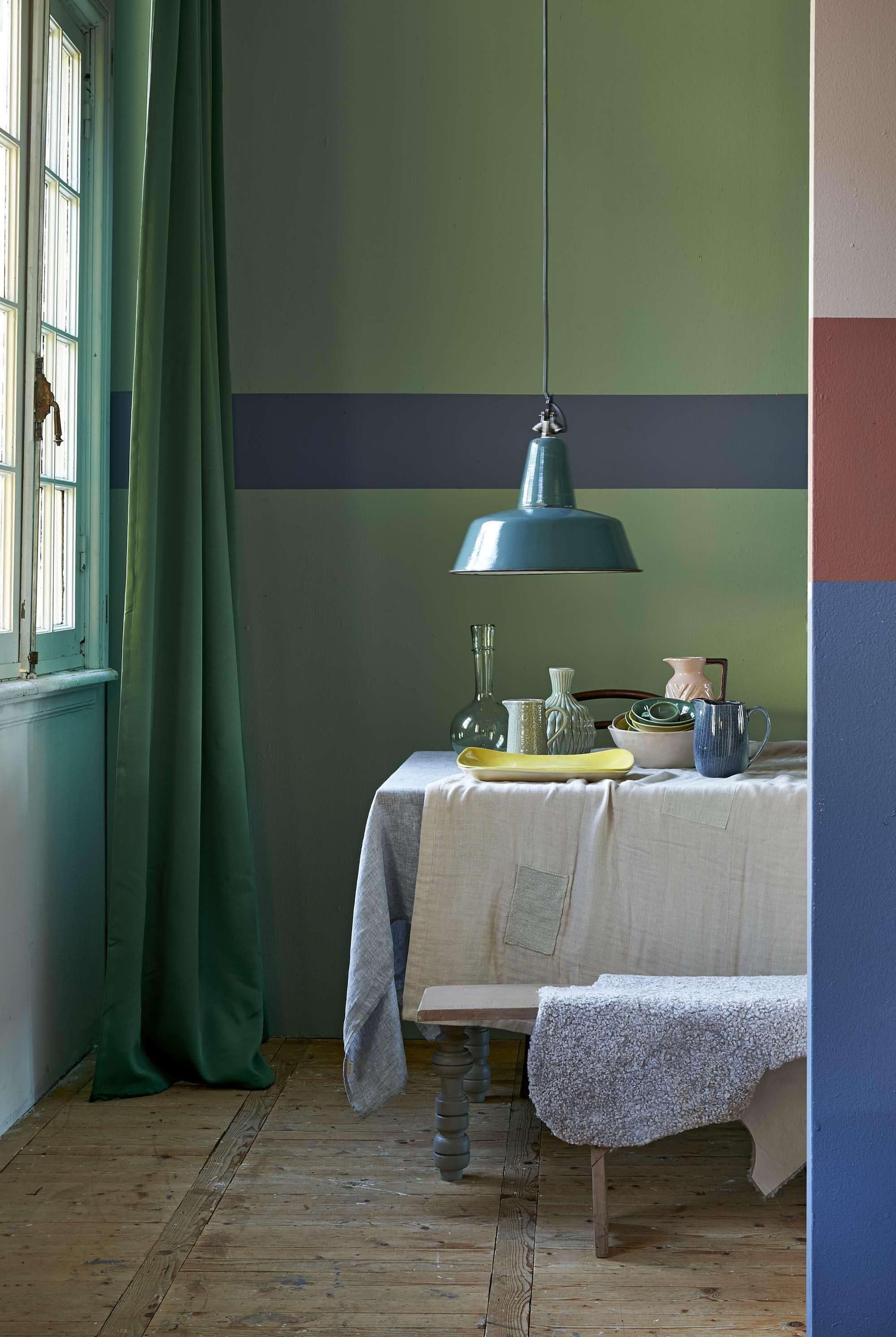 table cuisine fond vert
