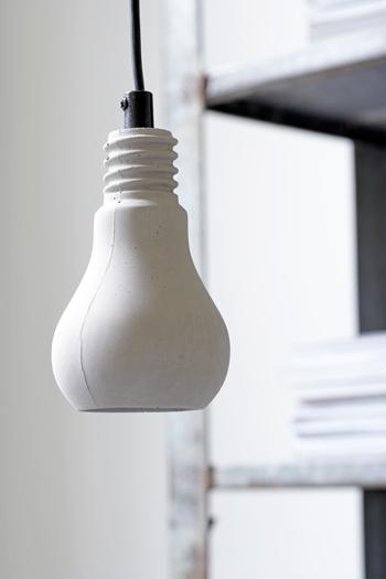 betonnen peerlamp
