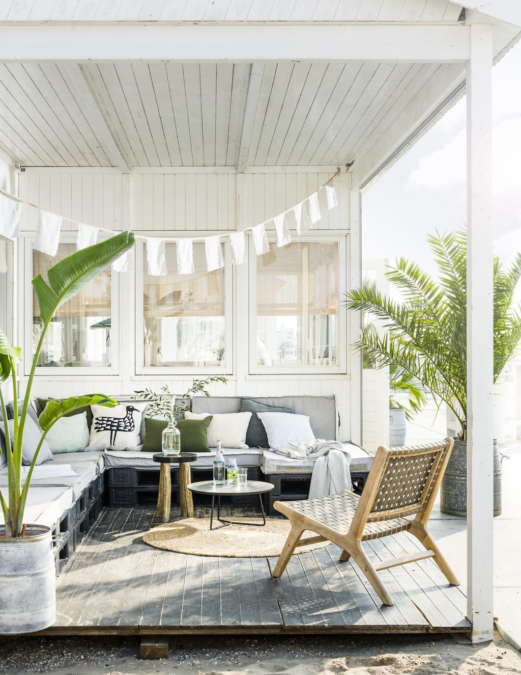 Kuipstoeltjes Tuin En Terras.Tuinmeubels Kopen De Mooiste Meubels Voor Tuin En Balkon Vtwonen