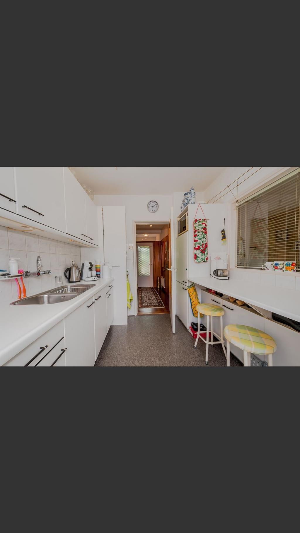 deze-keuken-en-het-huis-waar-deze-keuken-in-staat-hebben-we-net-gekocht-en-over-een-maand-krijgen-we-de-sleutel