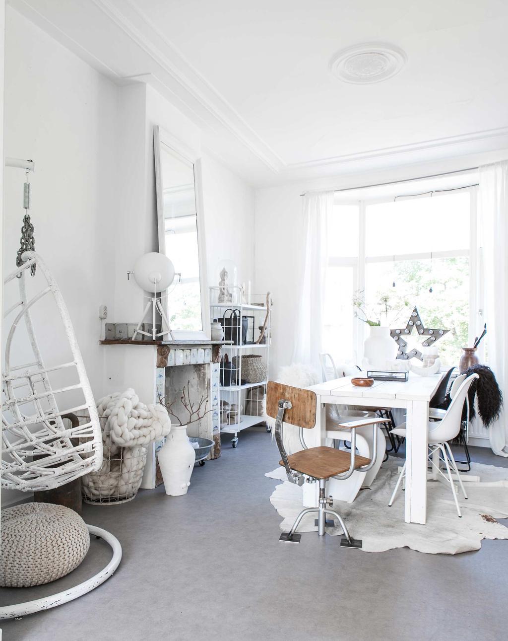witte hangstoel
