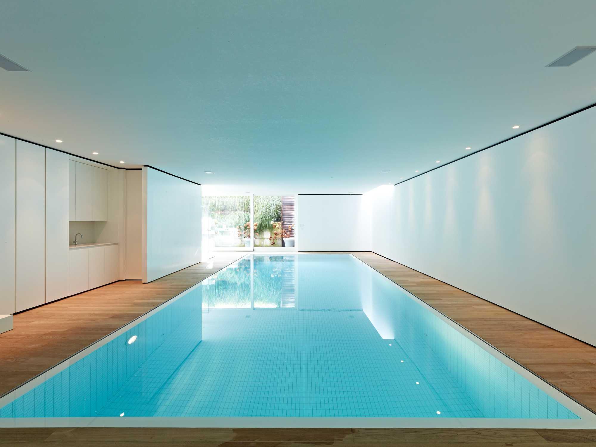 zwembad binnenzwembad