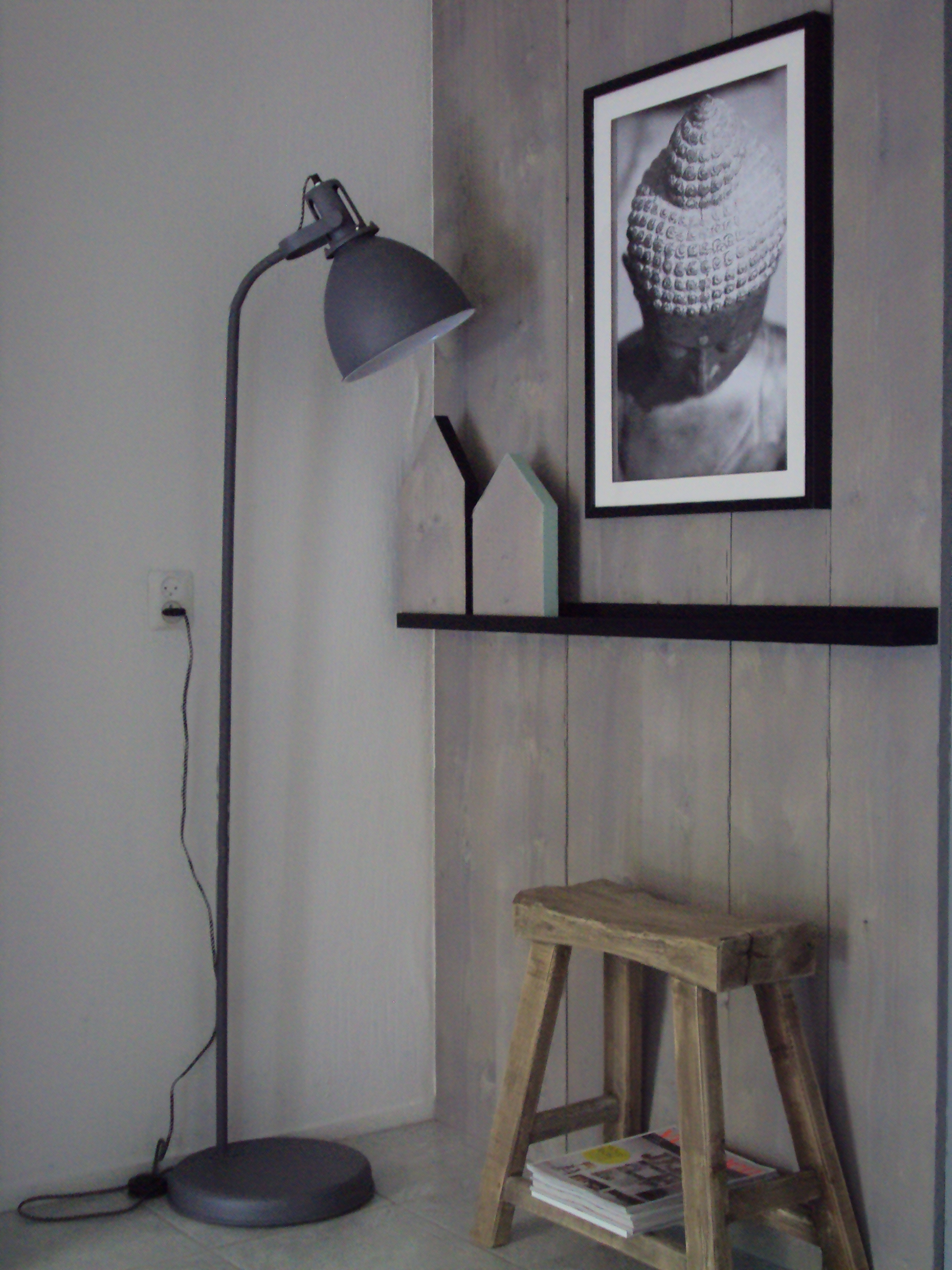 Planken Bevestigen Aan De Muur.Wand Van Steigerhouten Planken Vtwonen