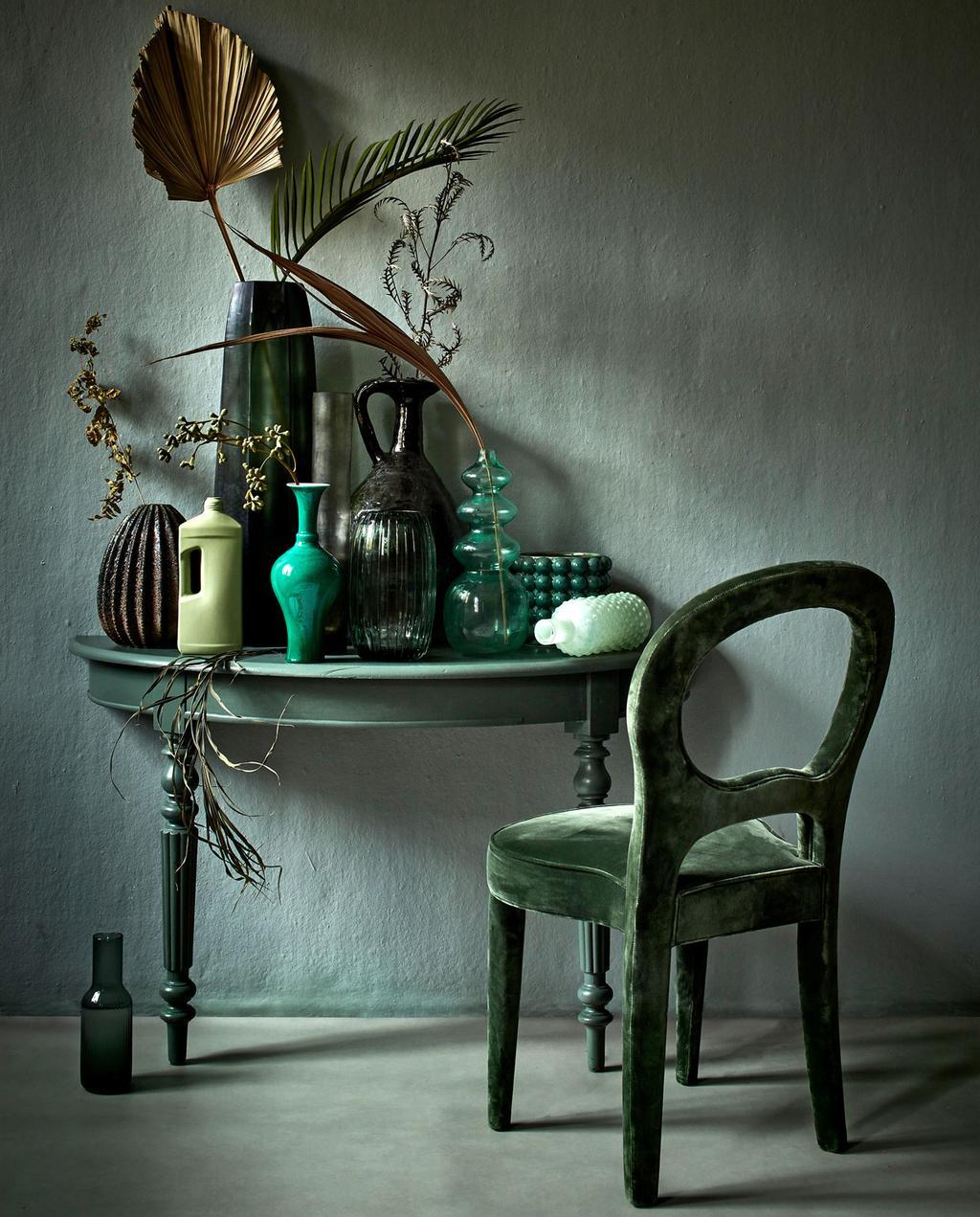 vtwonen 10-2019 | styling groene tinten vazen bureau