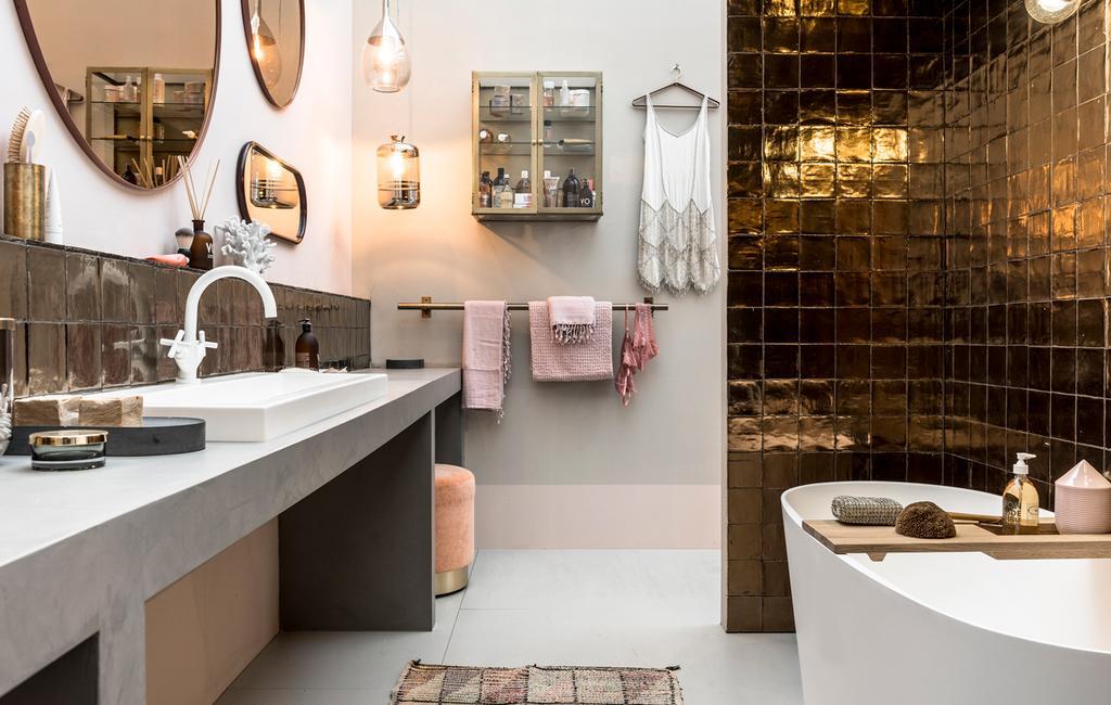vtwonen beurs 2017 | luxe badkamer met spiegels