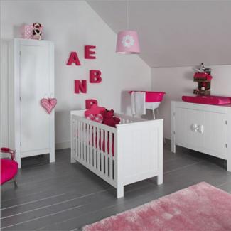Babykamer grijs roze