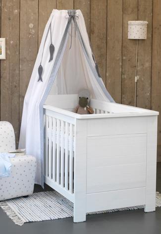 Babykamer steigerhout