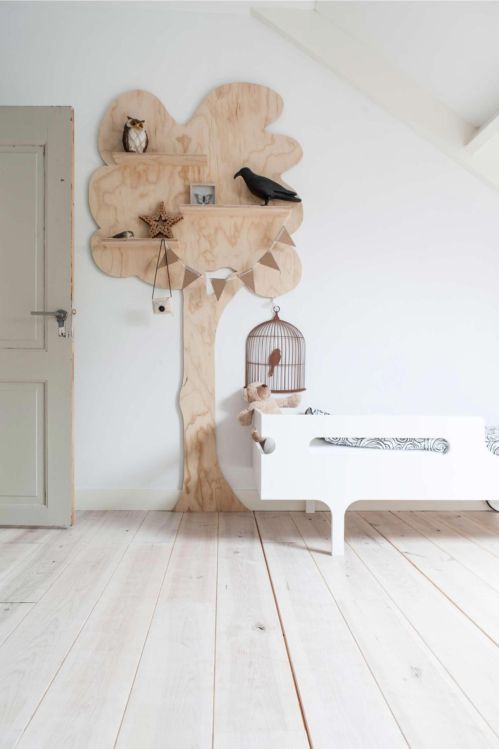 Kinderkamer met boom