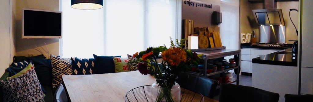 aan-deze-keukentafel-word-samen-gegeten-tv-gekeken-en-lief-en-leed-gedeeld-met-familie-en-vrienden