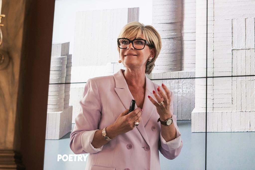 Hilde Francq geeft presentatie op Color Trend Seminar in Bourla in Antwerpen