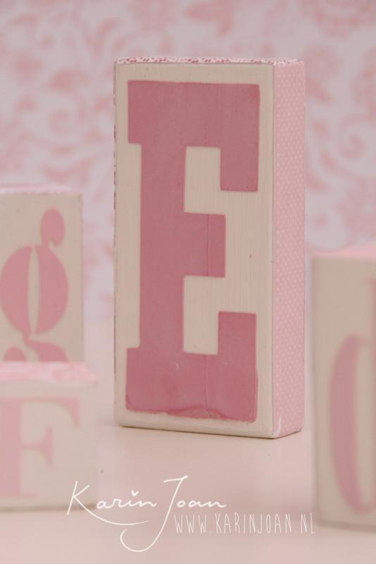 roze letters