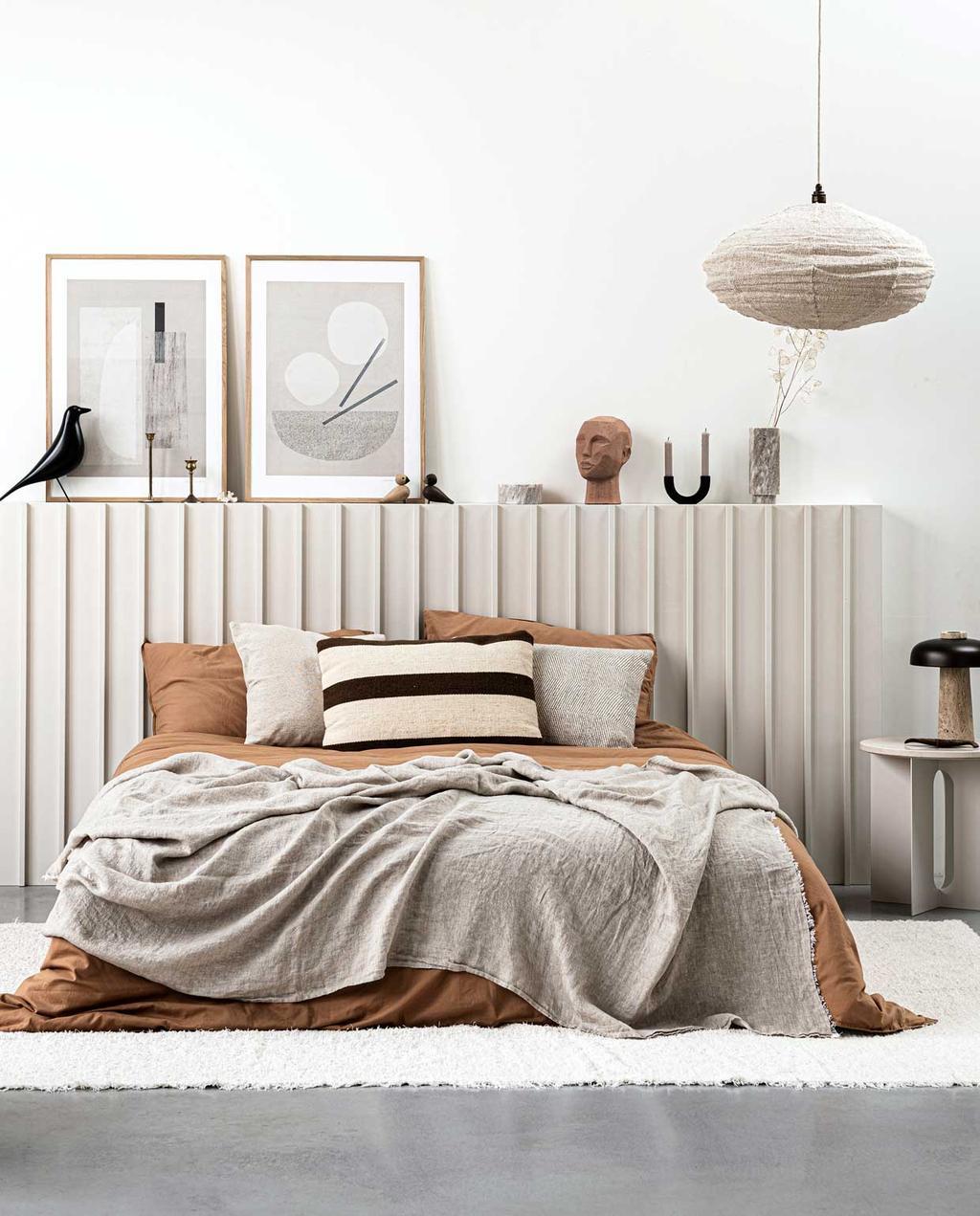 kunst in de slaapkamer | beddengoed | naturel | lichte slaapkamer
