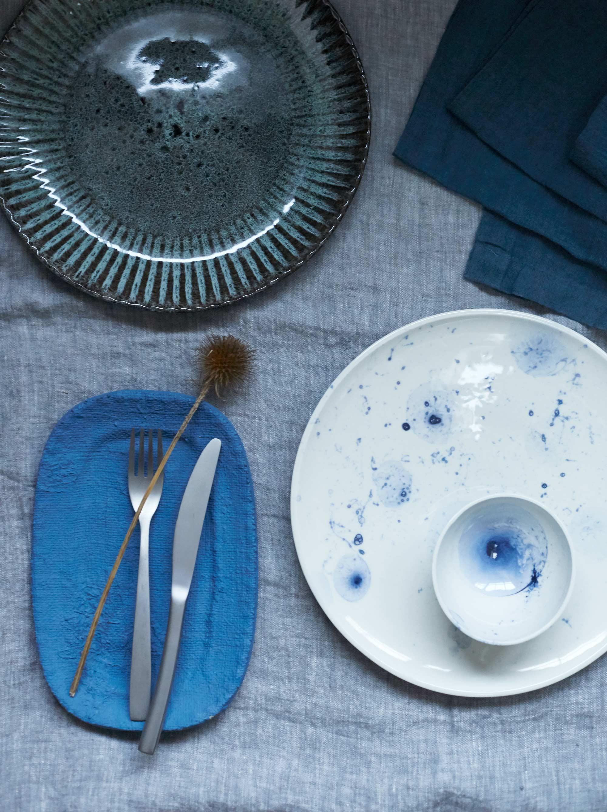 assiettes bleues