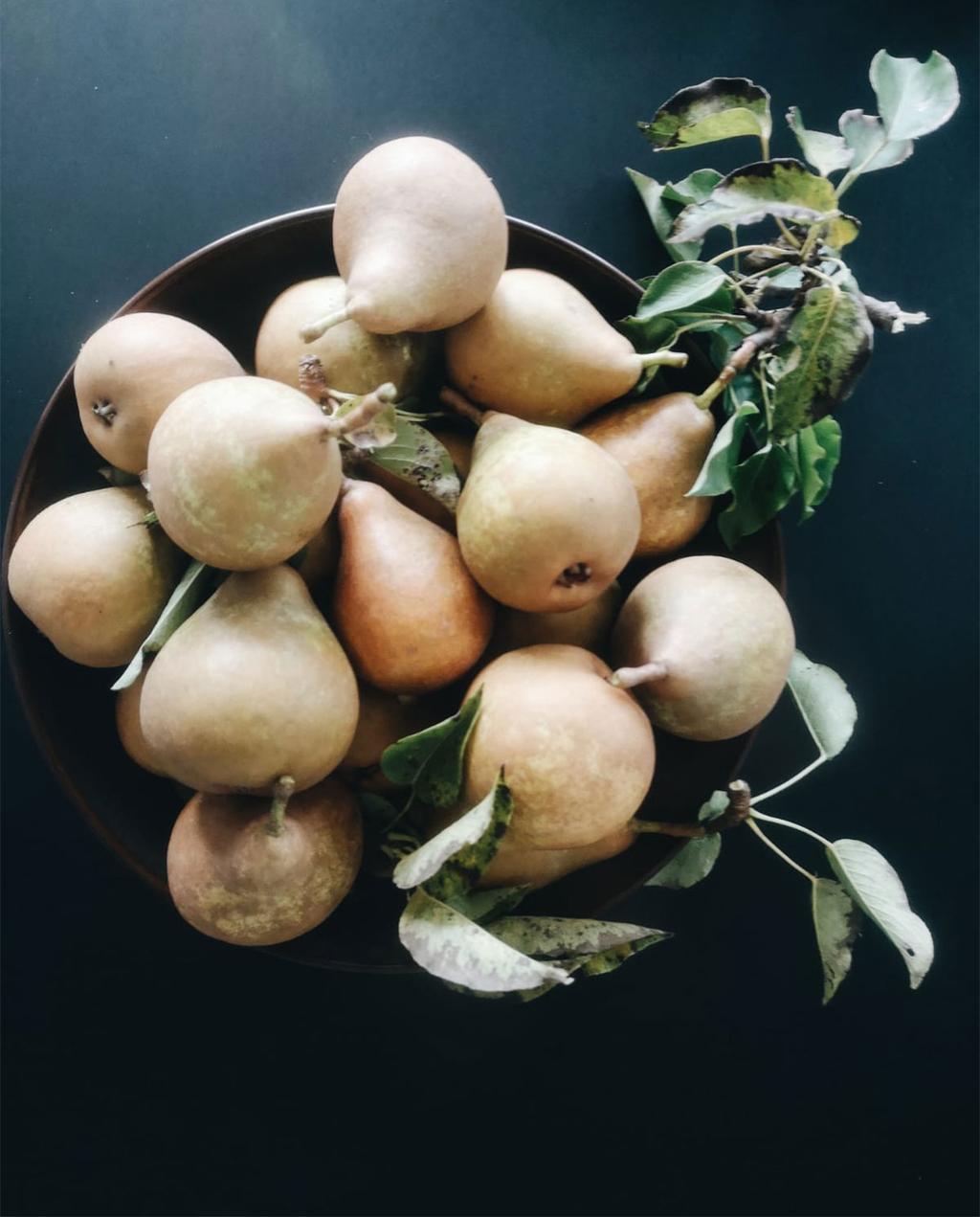 peren in een fruitschaal