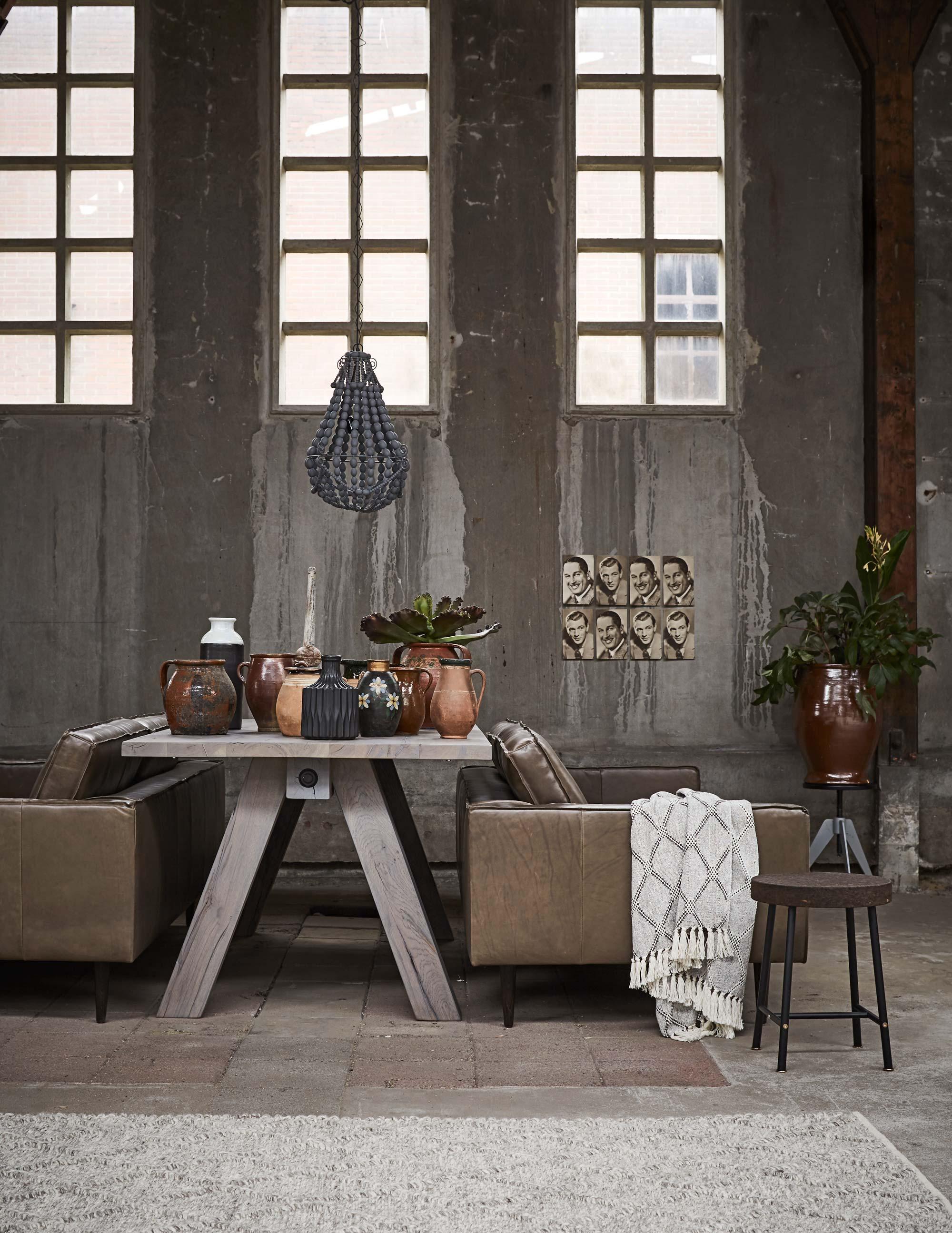 Tafel-met-keramiek