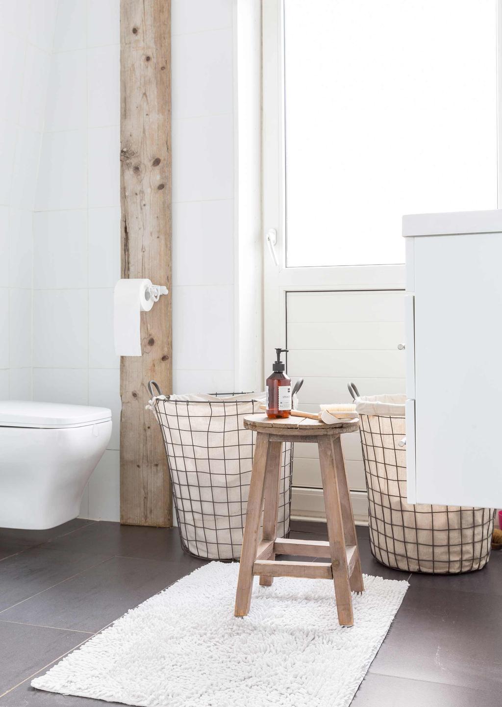 badkamer wit hout