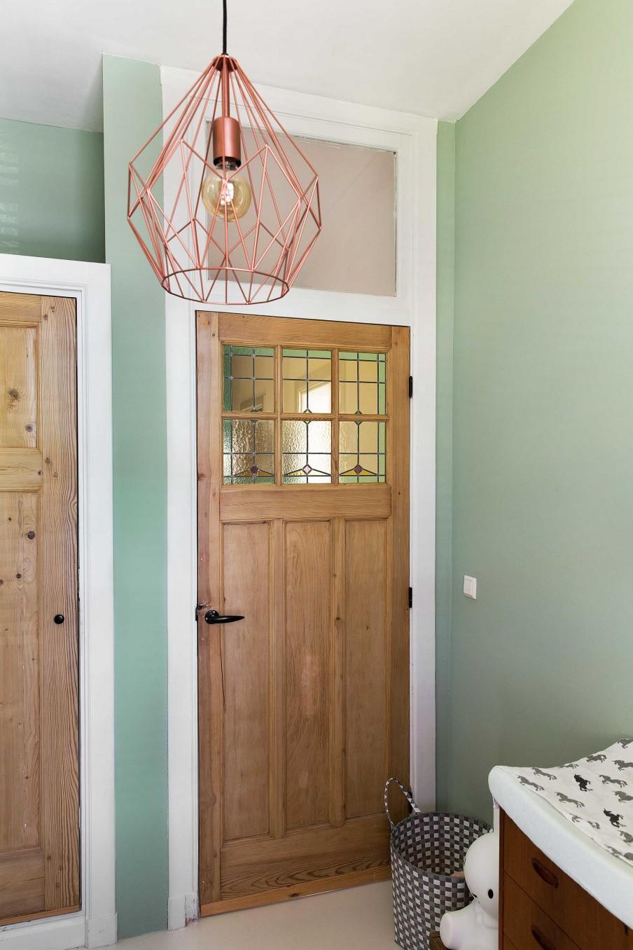 chambre enfant porte bois