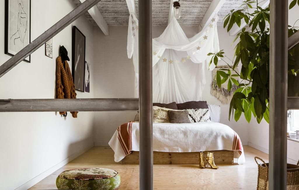 vtwonen slaapkamer klamboe hout industrieel