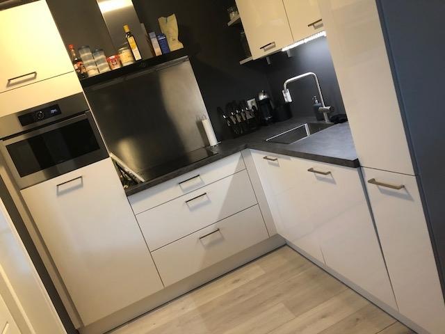 onze-nieuwe-keuken-waar-we-heel-trots-op-zijn