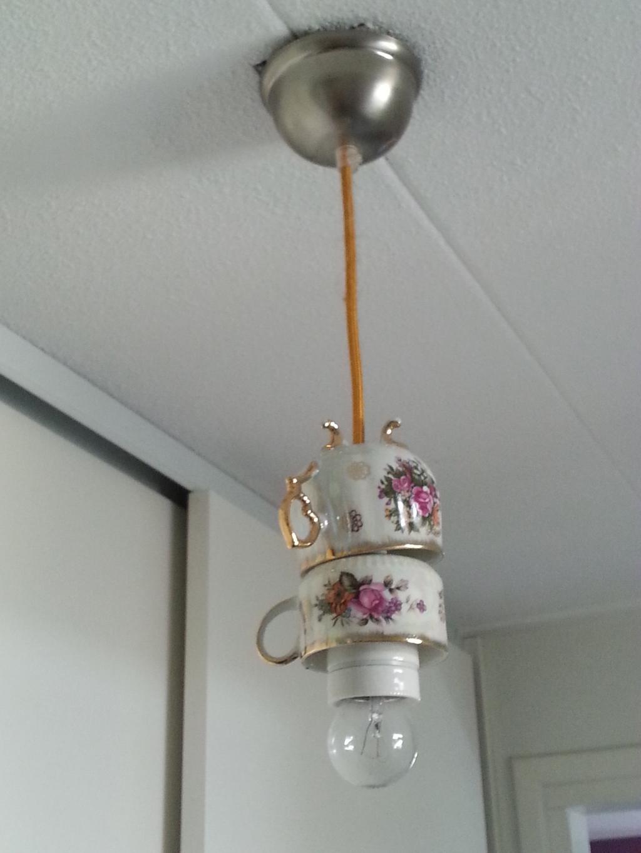 servies lamp