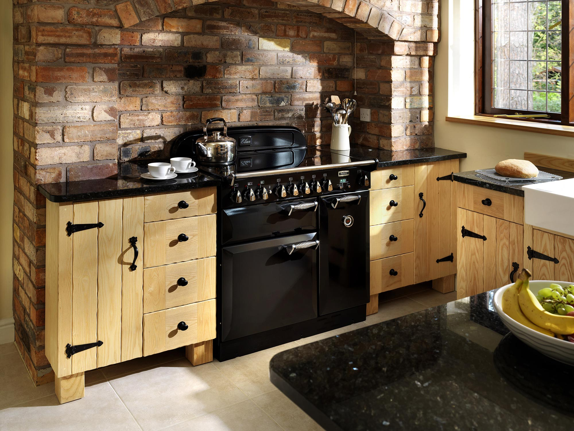 Keuken met hout en steen