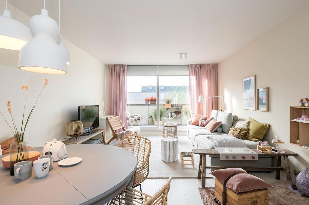 De woonkamer van Nathalie uit de vierde aflevering van het tweede seizoen van 'Een frisse start met vtwonen'.