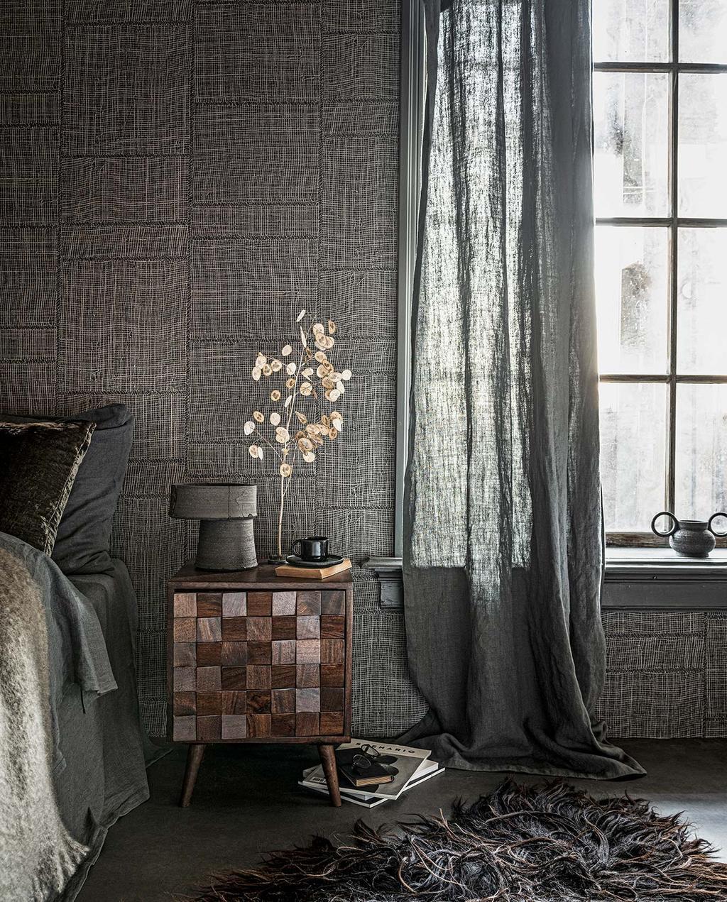 vtwonen 02-2021 | slaapkamer bijzonder nachtkastje met vlakken en bed